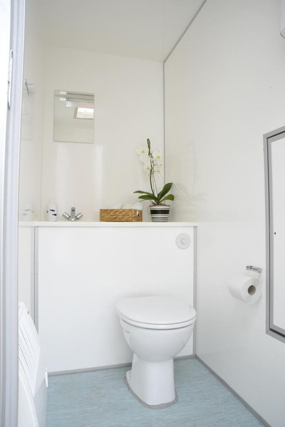 toilettenwagen klein 1 1. Black Bedroom Furniture Sets. Home Design Ideas